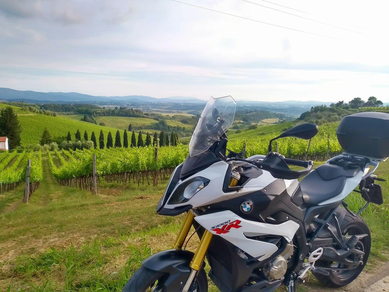 Bella stagione in arrivo? Cosa c'è di meglio di un viaggio in moto?