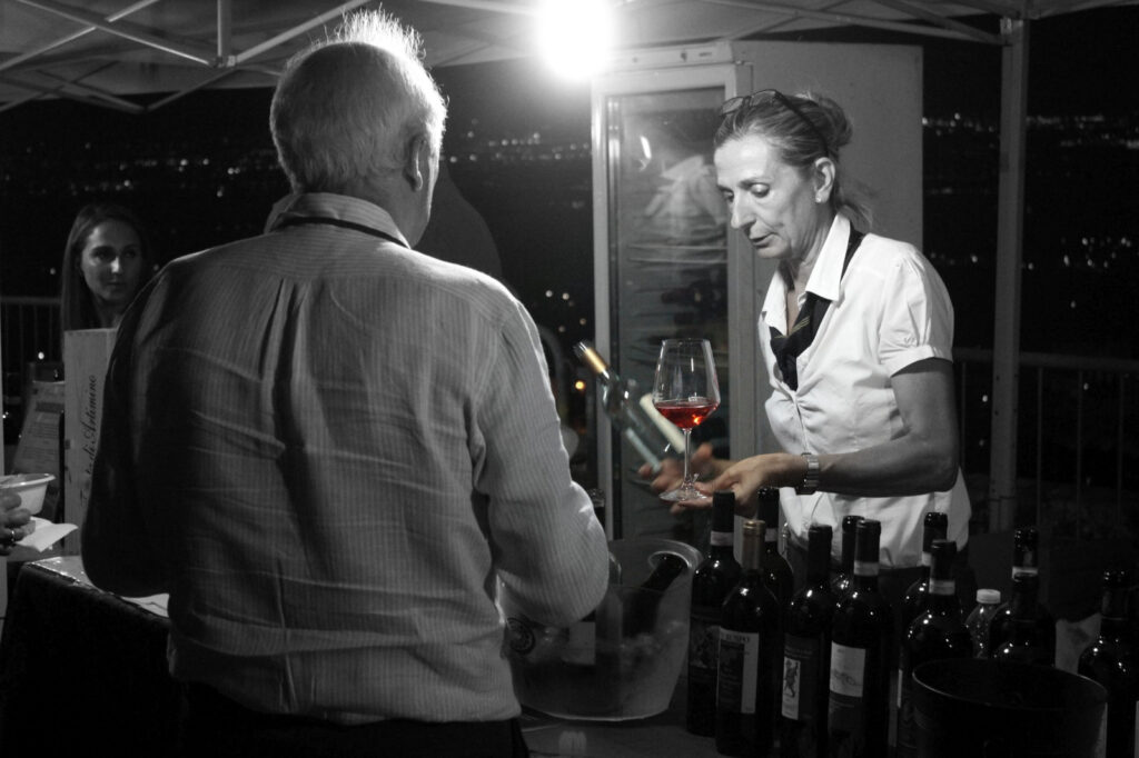 Degustazione di vino a Calici di stelle a Carmignano