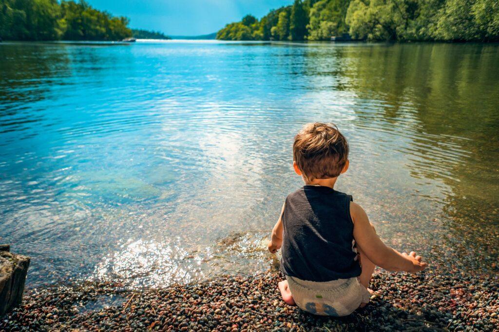 Gita in famiglia al lago