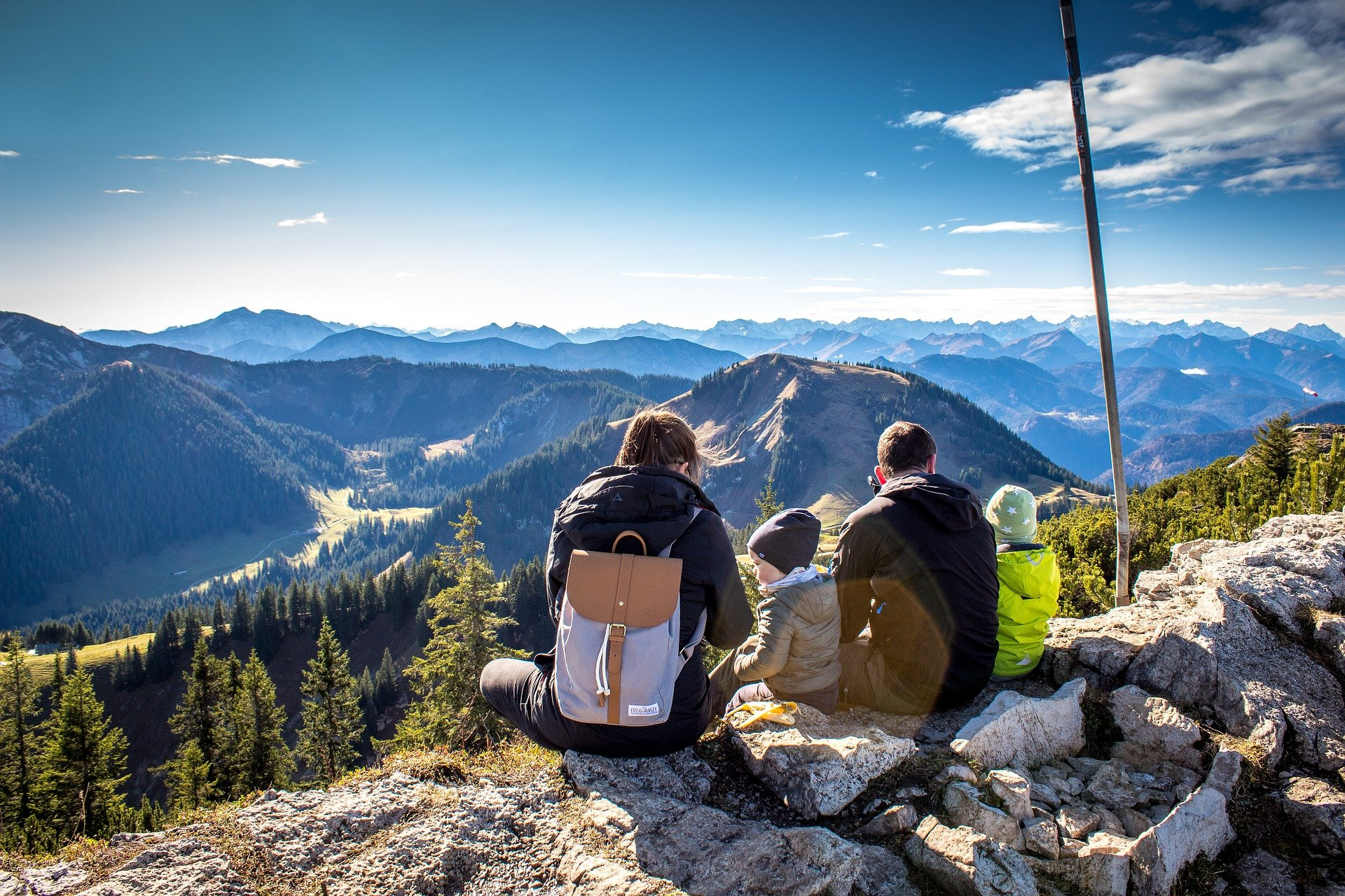 Trekking o hiking ideali con la famiglia
