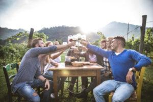Cena in vigna per un addio al celibato perfetto!