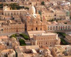 Tour culturale in Sicilia: Noto, il giardino di pietra