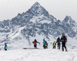 Ciaspolata sul Monviso: attività outdoor in Piemonte per esperti e principianti