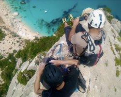 Arrampicata sullo spettacolare scoglio Aguglia Goloritzè Baunei in Sardegna