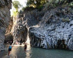 Tour sull'Etna e alle Gole dell'Alcantara con degustazione