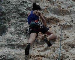 Prova le emozioni dell'arrampicata su roccia adatta a tutti