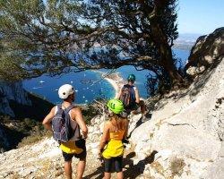Trekking e scalata dell'isola di Tavolara in Sardegna