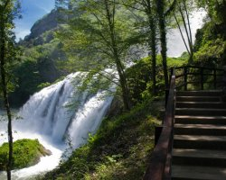 Trekking in Umbria: escursione alla Cascata delle Marmore