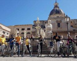 Tour in bici a Palermo: tra storia, mare e street food