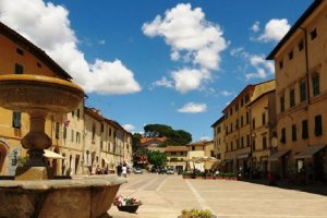 Two of the most beautiful villages in Italy: Cetona and San Casciano dei Bagni