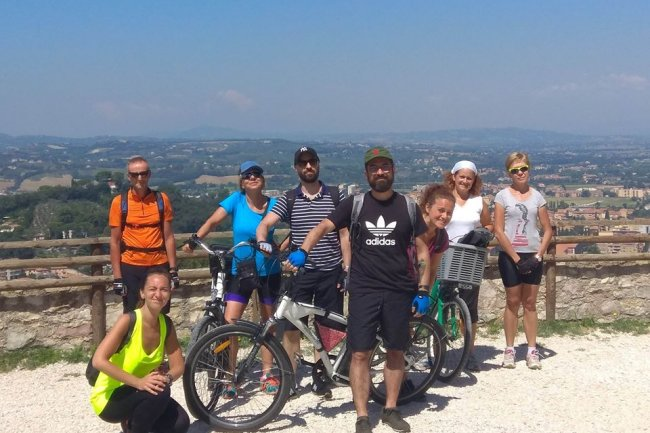 Arte e natura in Umbria con e-bike