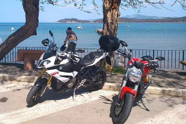 Motorcycle Tour to Volterra and Tuscan Seaside