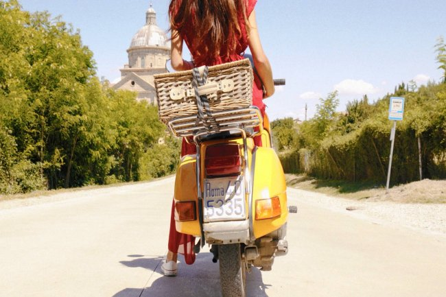 Vespa Tour in the heart of Tuscany, between Valdichiana Senese and Val d'Orcia
