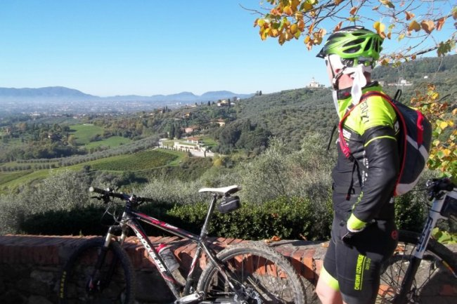 Cycling tours to discover the real Tuscany